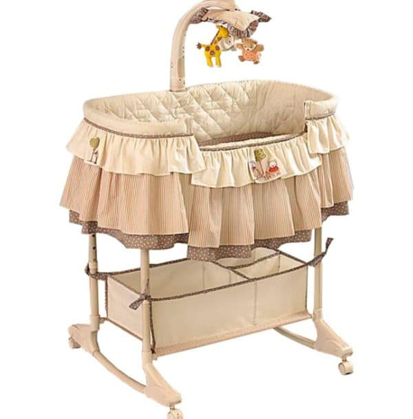 бежевая кроватка-качалка для малыша