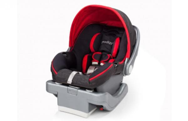 Высокотехнологичное автокресло для ребенка