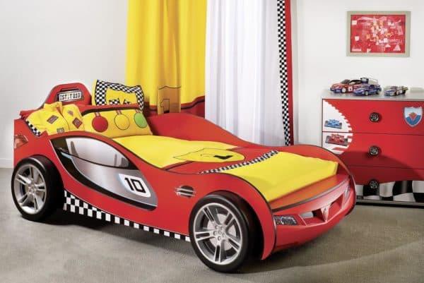 кроватка в виде гоночной машины для мальчика