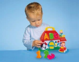 Развивающая игрушка для ребенка 2 лет