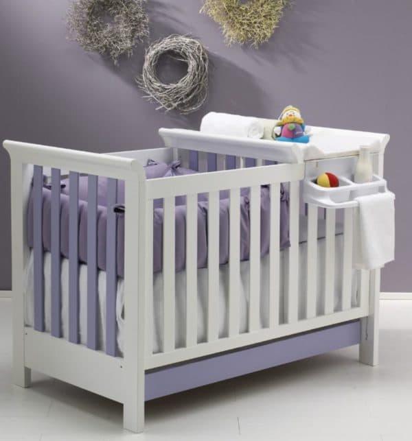 Кроватка для новорожденного с накладным пеленальным столиком