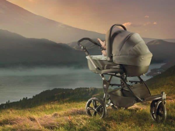 Трехколесная коляска для новорожденного