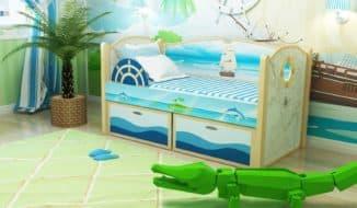 Кроватка с бортиками для ребенка