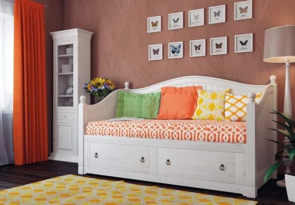 Диван кровать для девочек в ретро стиле