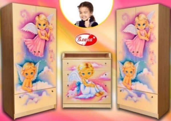 Российский шкаф с ящиками в детскую