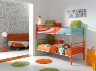 Кровать цветная металлическая двухъярусная