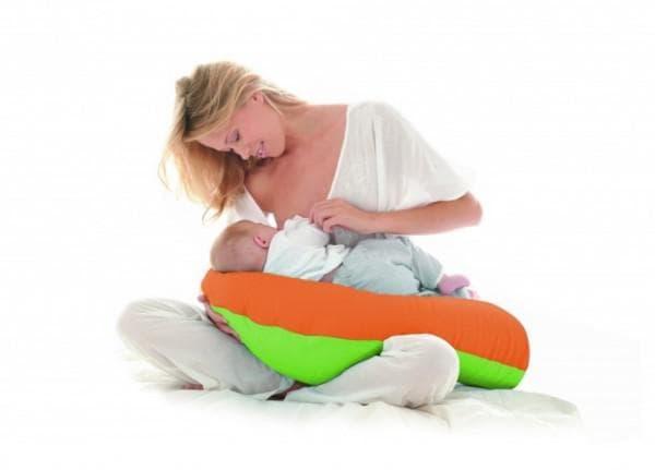 Удобная поза для кормления грудничка