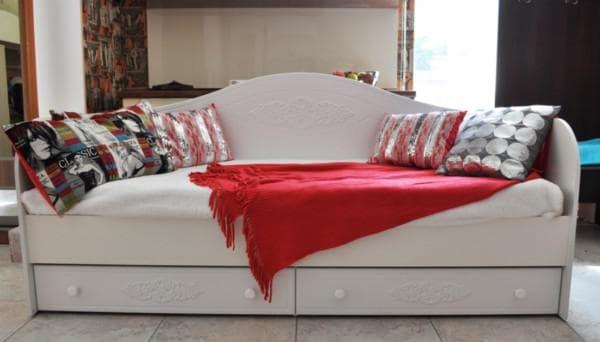 Кровать в детскую комнату из МДФ с ящиками