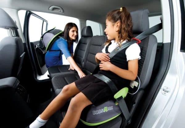 Как правильно поставить автокресло на заднее сиденье