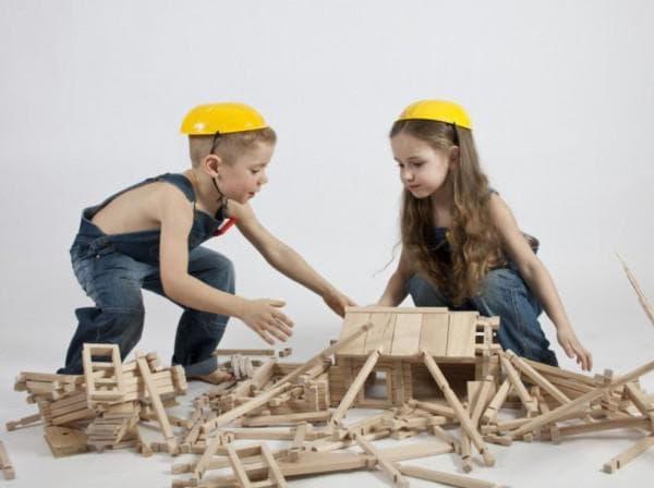 игра в деревянный конструктор