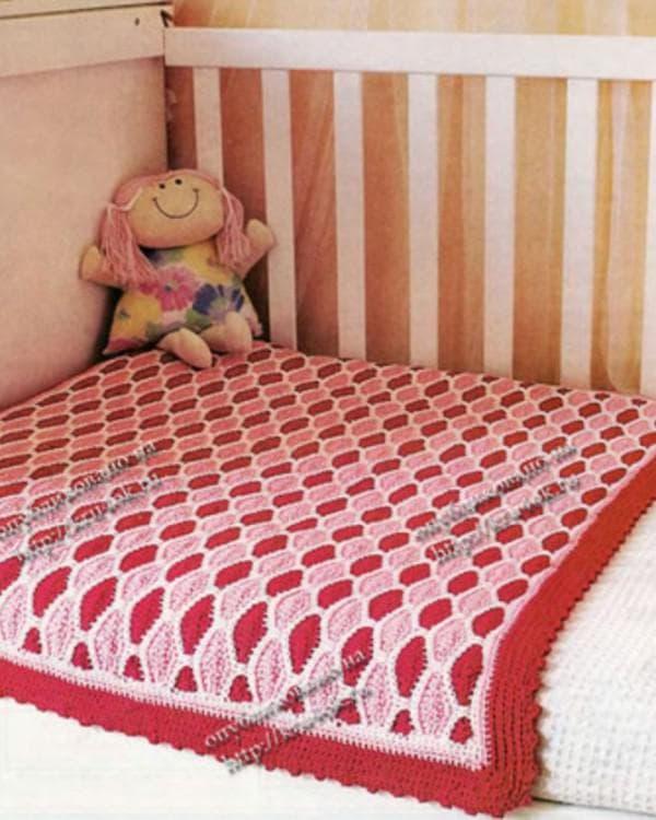 вязанная накидка на кроватку мальчика