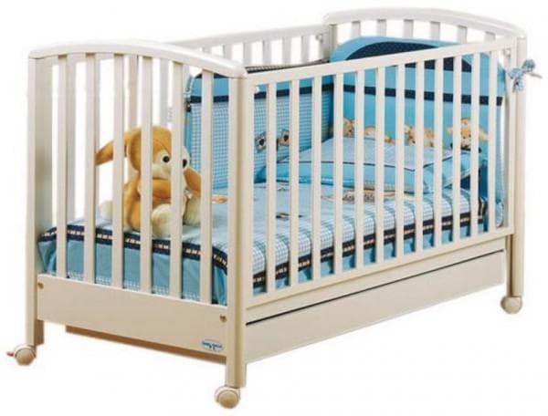 Недорогая качественная кроватка для новорожденного