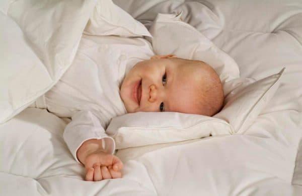 Теплое одеяло для новорожденного на зиму