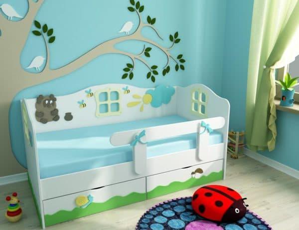 Кроватка с героями из русских сказок