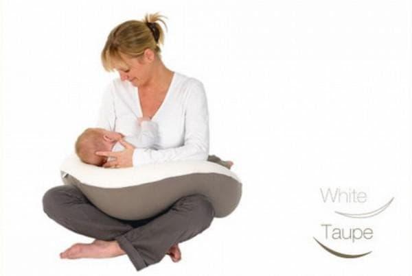 Удобная подушка для кормления ребенка
