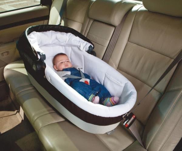 Люлька в машину для новорожденного с первых дней