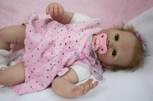 Кукла как живой младенец