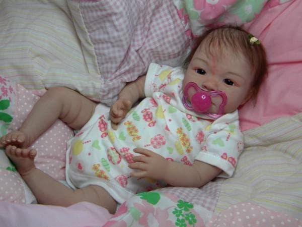 Кукла как живой ребеночек