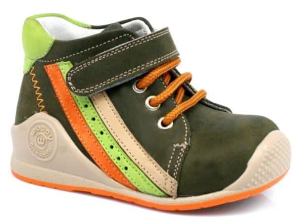 Красивая детская обувь при вальгусной деформации стопы
