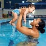 Детские памперсы для купания в бассейне или удивительно полезный товар