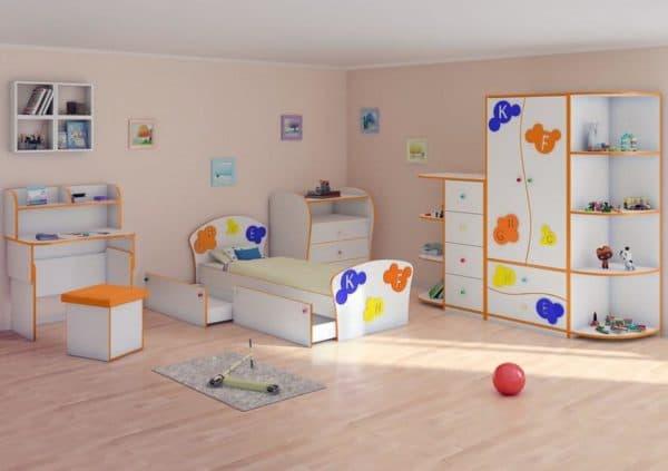Кровать с выдвижными ящиками в детскую комнату