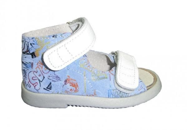 Аккуратная детская обувь при вальгусе